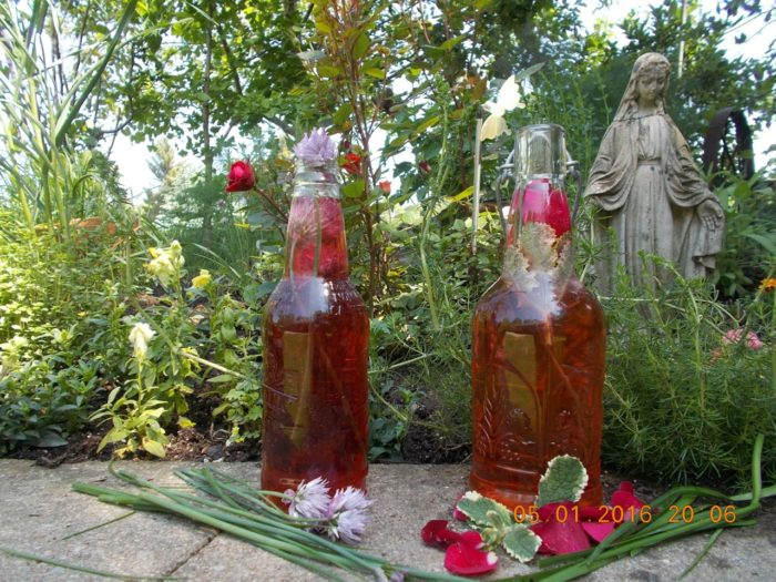 Learn How to Make Flavored Vinegar