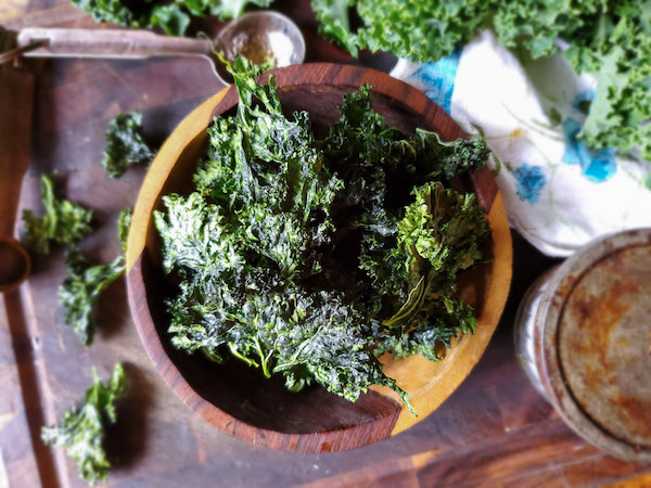 dehydrated-kale-chips
